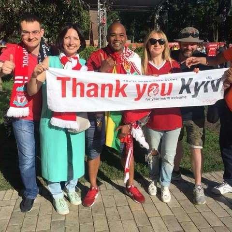 Фанати Ліги чемпіонів масово дякують у соцмережах киянам за безкоштовне житло