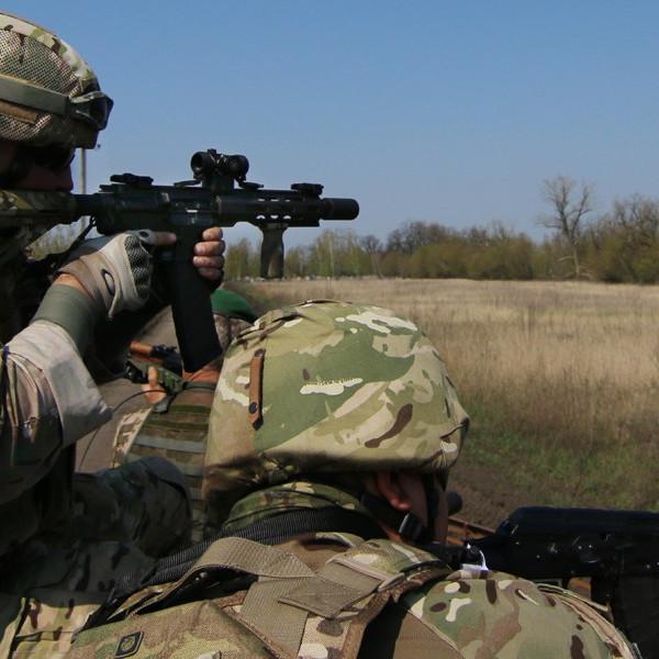 Під Полтавою у бойових умовах готують спецпризначенців (відео)