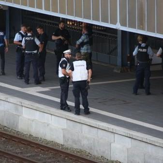 У Німеччині чоловік влаштував різанину в потязі, є вбиті та поранені