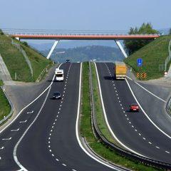 В Україні обіцяють побудувати десять автобанів