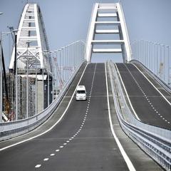 На Кримському мосту відбулася перша ДТП