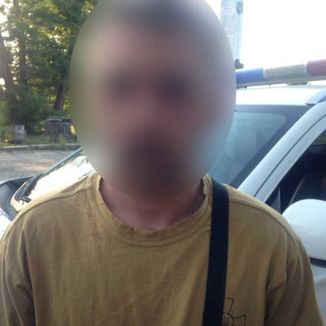 Контрактник ЗСУ пограбував жінку у Чернівцях