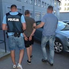 У Польщі українець напився та їздив на автівці по пірсу