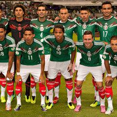 Гравці збірної Мексики з футболу влаштували  вечірку з 30-тю повіями