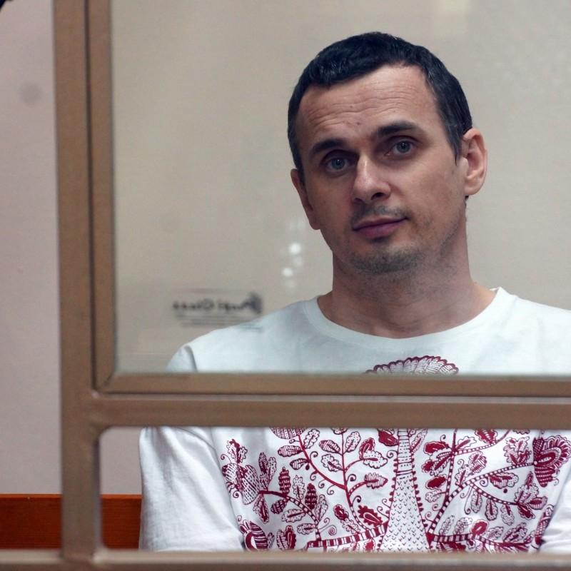 Адвокат: Сенцов просить людей на волі не голодувати на його підтримку