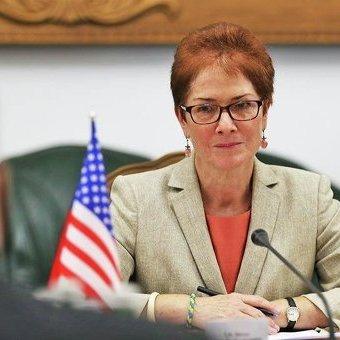 Посол США Йованович попередила: без антикорупційного суду будуть не мільярди допомоги, а економічна дестабілізація