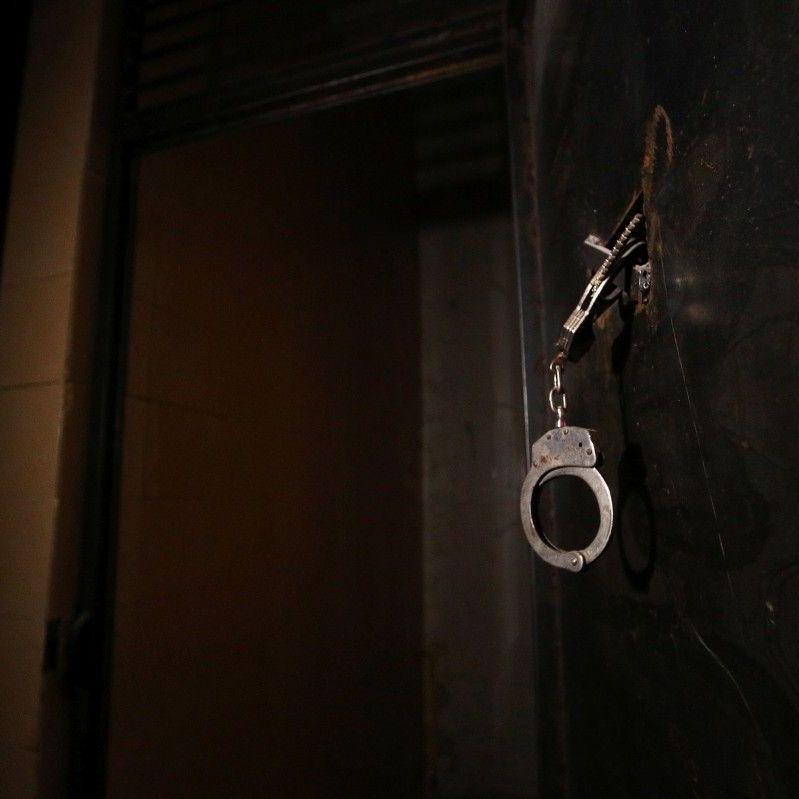 У Київській області взяли під варту чоловіка, який торгував інтимними фото своєї 13-річної доньки