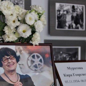 Кіру Муратову поховали в Одесі: як прощались з режисеркою