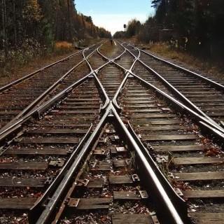 На Полтавщині з потяга випав військовослужбовець