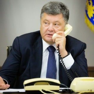 Порошенко вдруге за місяць зателефонував Путіну