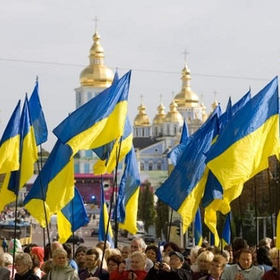 Стало відомо, скільки українців задоволені напрямком, у якому рухається країна