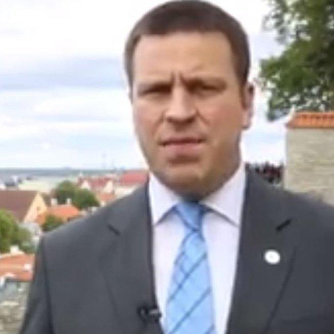 Звернення прем'єра Естонії російською мовою викликало бурхливу реакцію