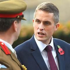 Siri перебила міністра оборони Британії під час виступу в парламенті (відео)