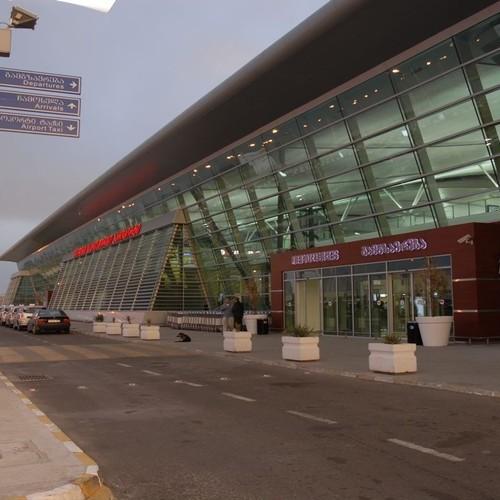 Росіянин розлив отруйну рідину в аеропорту Тбілісі, 7 осіб госпіталізовано