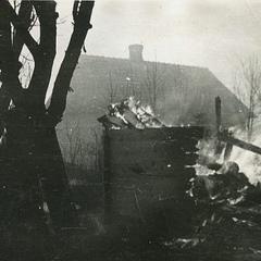 У прем'єра Польщі проілюстрували Волинську трагедію світлиною знищеного поляками села
