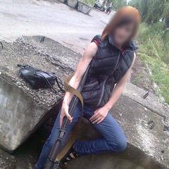Їхала у Київ до коханого: інструкторку бойовиків затримано на пункті пропуску