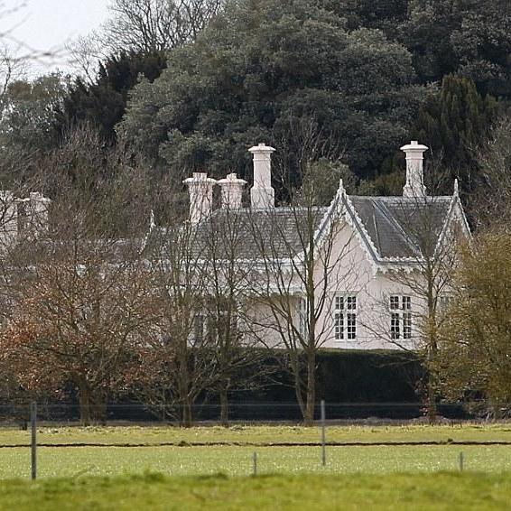 Єлизавета ІІ подарувала принцу Гаррі та Меган шикарний будинок