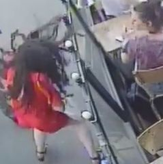 Францію шокувало відео побиття жінки, яка протистояла сексуальному домаганню