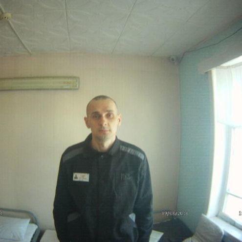 Із РФ надіслали перші фото Сенцова від початку голодування