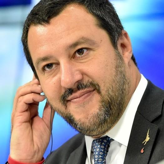 На ID-формах в Італії знову будуть писати «батько-мати» замість «родитель1-2»