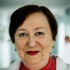 Лікарку з Інституту раку, яка відмовилася лікувати ветерана АТО, повернули на роботу та підвищили