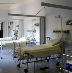 У польській лікарні повісився українець