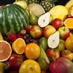 Супрун розвіяла три міфи про вживання фруктів