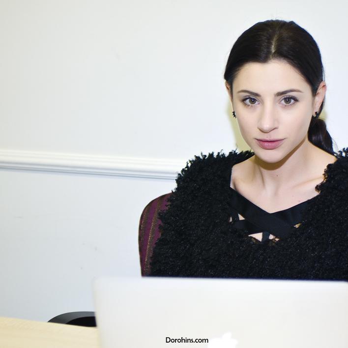 Дизайнерський одяг дружини Омеляна продається у Криму та в Росії (аудіо)