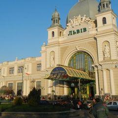 На залізничному вокзалі Львова поліція «кришувала»  кишенькових злодійок