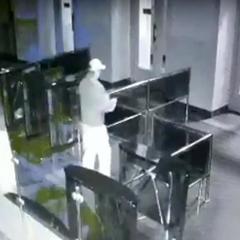 Опубліковано відео нападу на міськраду Харкова (відео)
