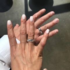 Нардеп одружився з перукарем-стилістом
