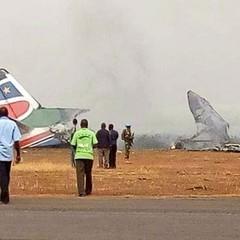 У Південному Судані впав літак: більше 20 людей загинули