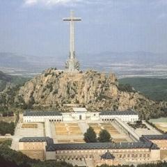 В Іспанії останки диктатора Франко винесуть з мавзолею