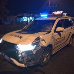 У Чернівцях під колесами автомобіля патрульної поліції загинув 23-річний хлопець (фото)