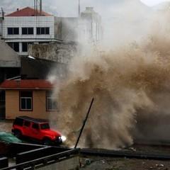Майже півмільйона людей евакуйовано через тайфун у Китаї
