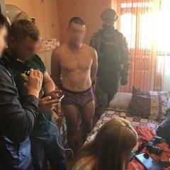 Виявилось, що батько, який створював порно із 8-місячної донькою, ще й зґвалтував її