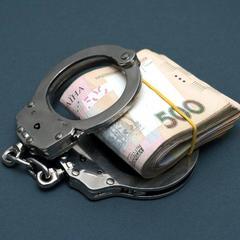 В Одесі арештували двох поліцейських, які підкинули чоловіку наркотики і вимагали з нього ,5 тисячі