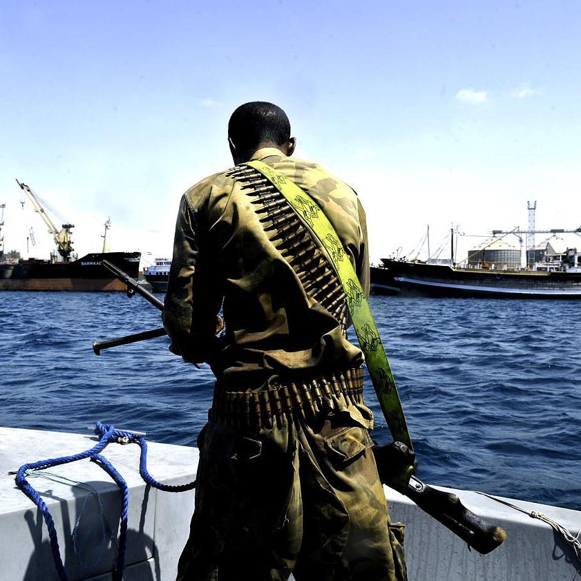Біля узбережжя Нігерії пірати викрали 12 моряків зі швейцарського торговельного судна