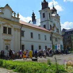 В УПЦ МП заявили, що «Правий сектор» захоплює їхній храм і б'є прихожан