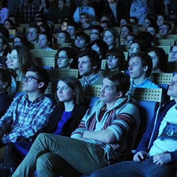 Кабмін вирішив, що відтепер фільми 18+ у кінотеатрах можна показувати цілодобово
