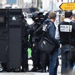 У центрі Парижа відкрили стрілянину: поранено двох людей