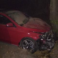 На Львівщині розбилося авто з нареченою