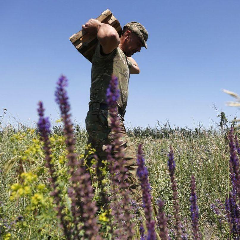 На Донбасі бойовики з гранатометів і мінометів обстріляли позиції ВСУ