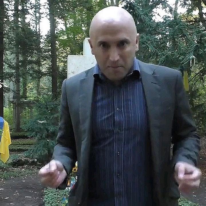 Грем Філліпс поглумився над могилою Степана Бандери у Німеччині (відео)