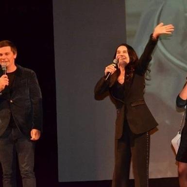 «Рабиня Ізаура» співала Червону руту в Харкові (відео)