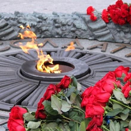 Порошенко привітав українців із 74-тою річницею визволення від нацистів