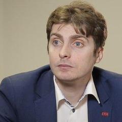 Замість незаконних кіосків біля станції метро «Політехнічний інститут» відкрили сквер, - депутат