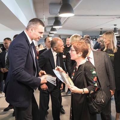 Кличко подякував меценатам, волонтерам, бізнесмена та громадським діячам  за створення Veteran Hub
