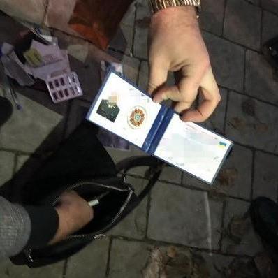 Керівника львівського університету затримали на хабарі (фото)