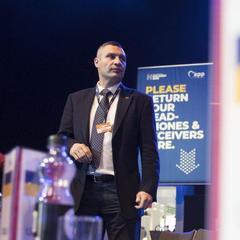 Кличко на з'їзді ЄНП: Європейський напрямок розвитку України є для нас пріоритетним